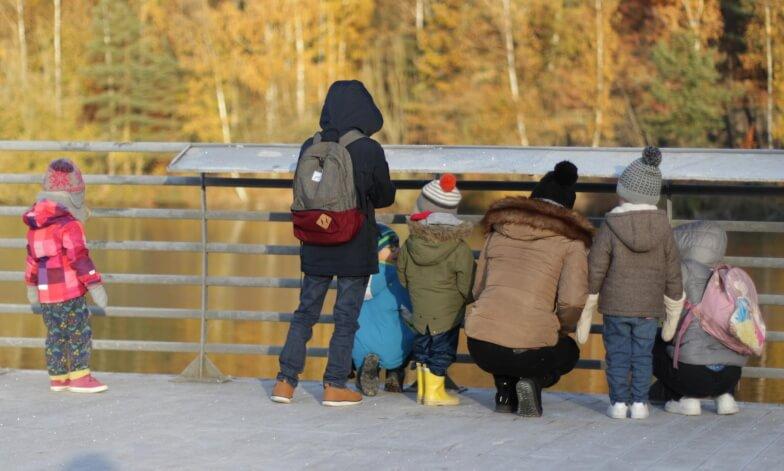 Ecole maternelle à Bruxelles : un matériel  varié (Montessori)